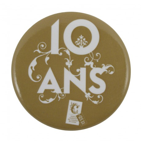 "Badge aimanté ""10 ans"""